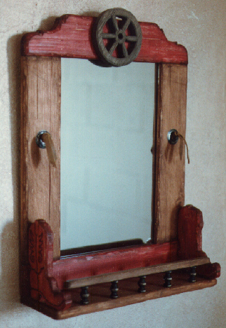 Western Wagon Wheel Mirror with Curio Shelf jc352